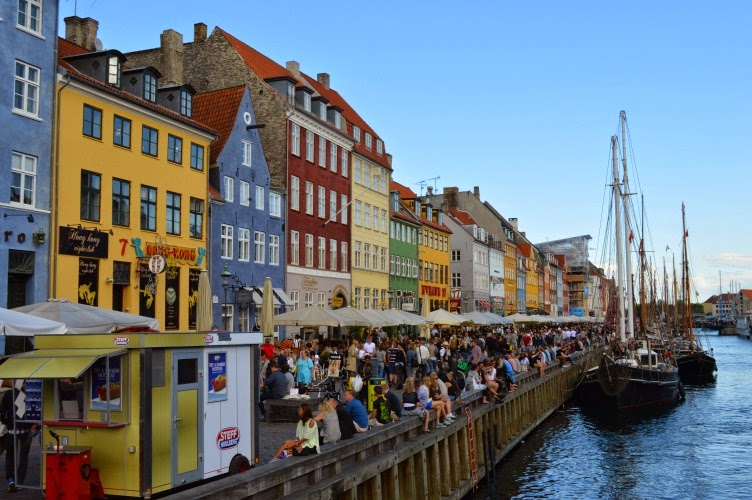 nyhavn, copenhagen, kodaň, denmark, dánsko, bay, docks, night life