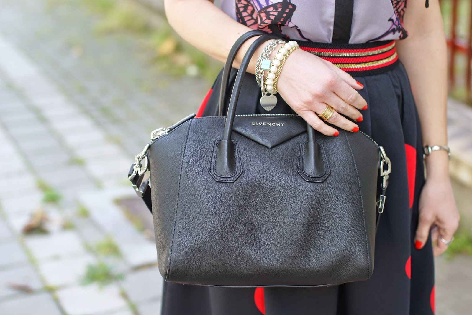 Givenchy Antigona small bag, Fashion and Cookies fashion blog, fashion blogger style