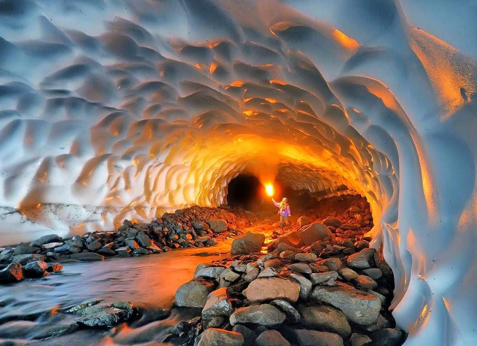 Mutnovsky Volcano ice cave randommusings.filminspector.com