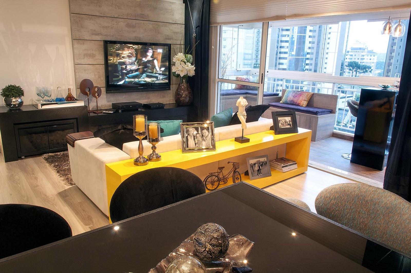 Espaço MoMe: Móveis planejados otimizam espaços em apartamentos #C39F08 1600 1063