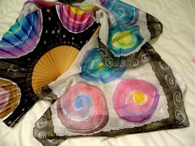 pañuelo de seda pintada a mano, abanico pintado a mano, foulard pintado a mano