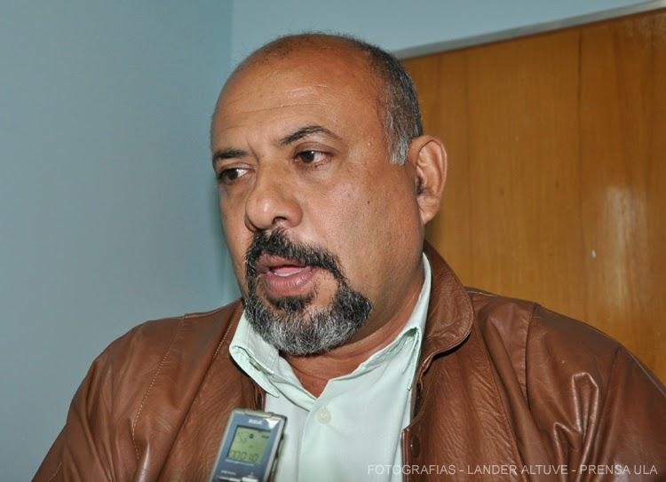 Profesor Rafael del Valle Albornoz. Coord. Diplomados en Ciencias Forenses y en Criminalística. (Foto: Lánder Altuve)