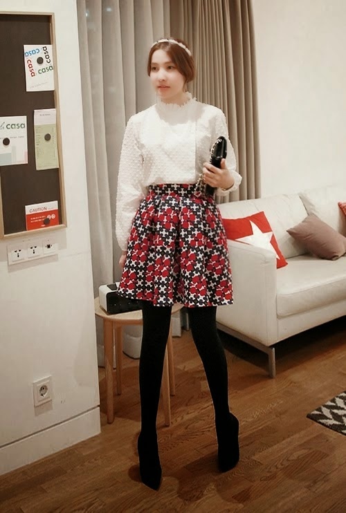 Pleated Geometric Pattern Skirt
