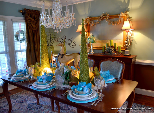 Christmas tablescape via Worthing Court blog
