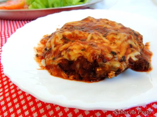Delicioso hambuguer à parmegiana super fácil de fazer.