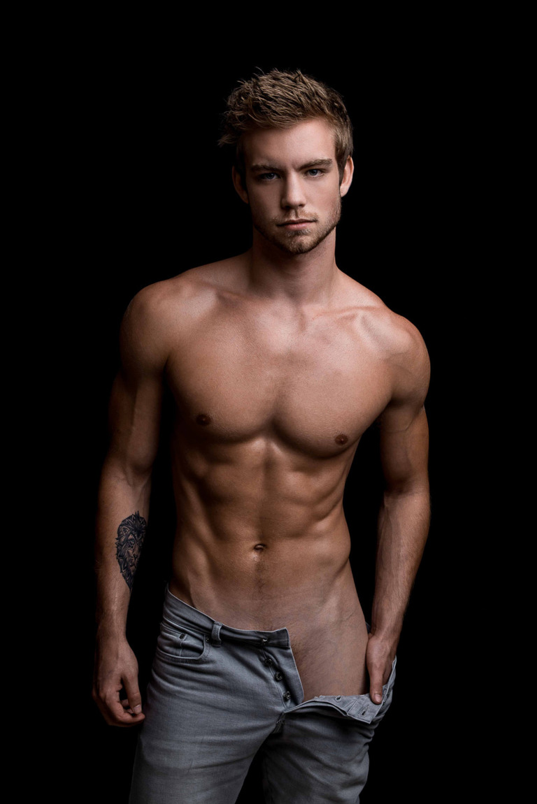 Dustin McNeer Naked - For The Beautiful Men