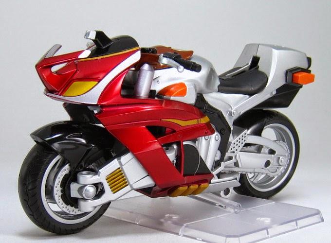 gambar Kabuto Extender, sepeda motor yang dinaiki oleh Kamen Rider Kabuto