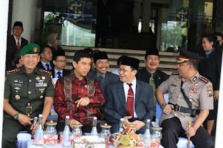 Menpan di damping PJ Walikota Surabaya