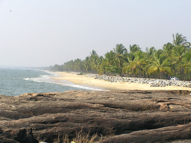 Варкала пляж