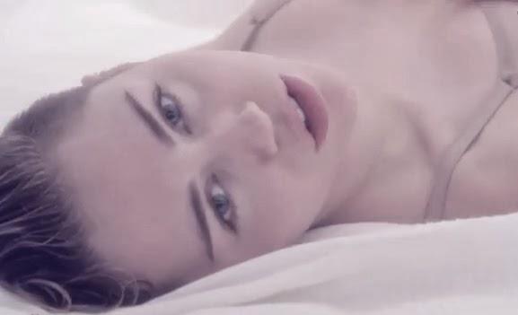 """Assista """"Adore You"""", novo clipe de Miley Cyrus"""