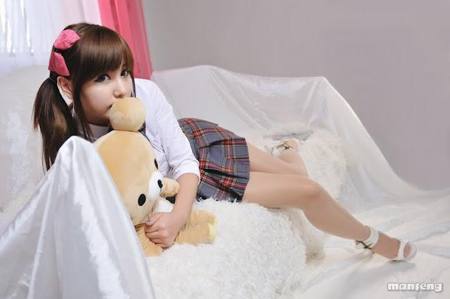 Ryu Ji Hye - School Girl