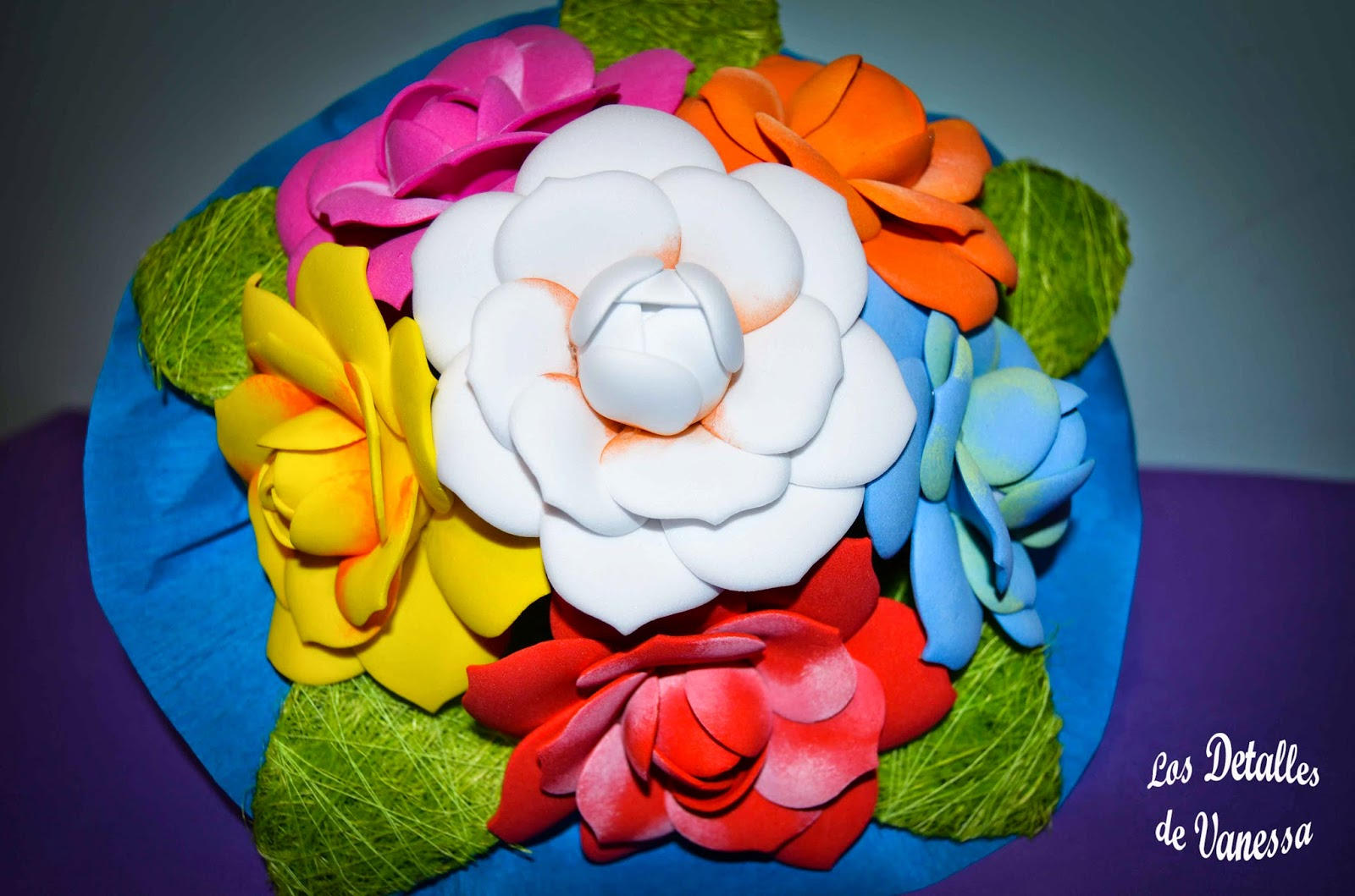 Los detalles de vanessa ramo de flores en goma eva - Detalles goma eva ...