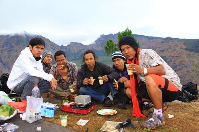 Hiking ke Gunung Bawakaraeng
