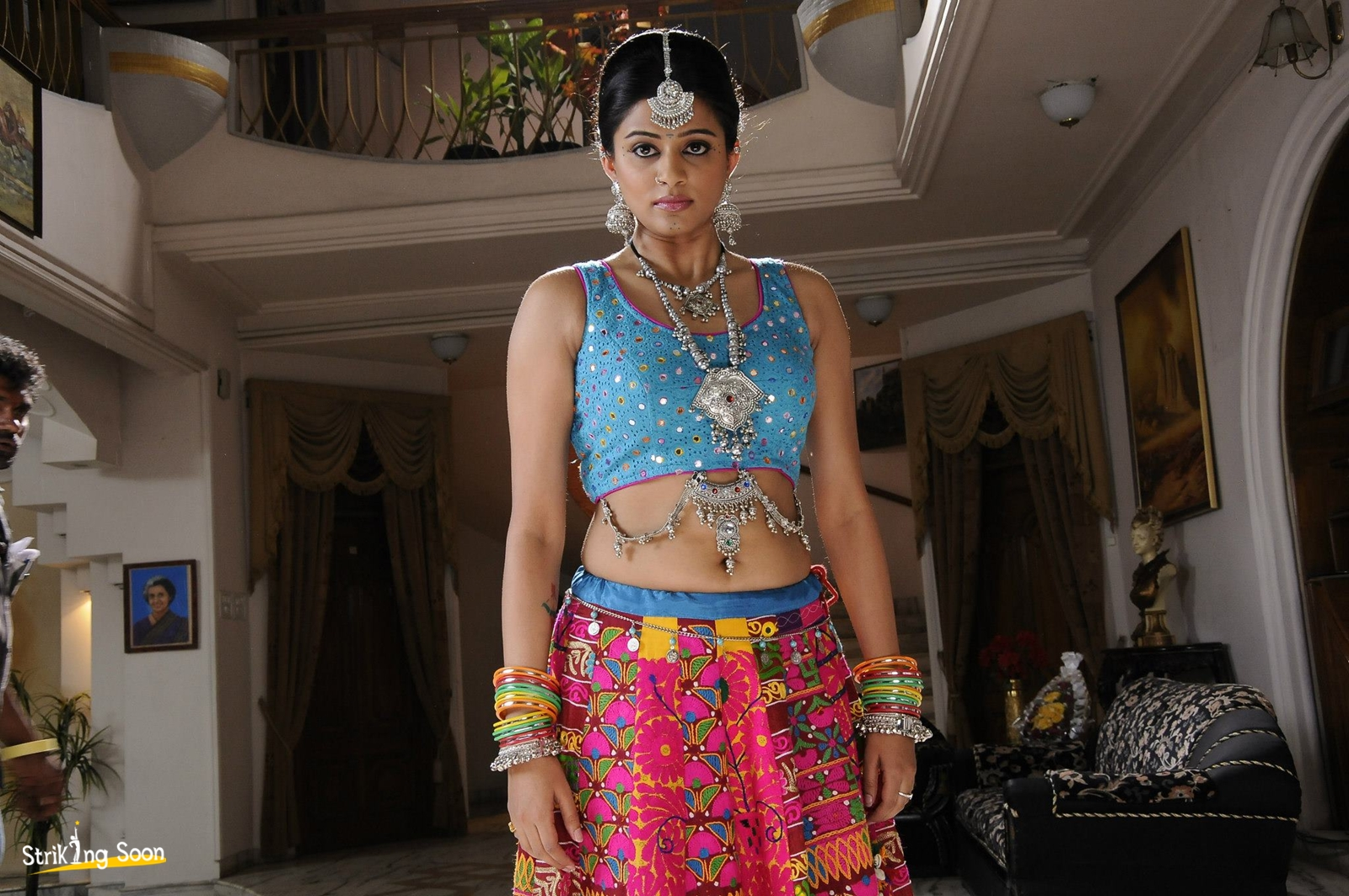 priyamani chandi telugu film hot photos , images , stills , pictures , gallery