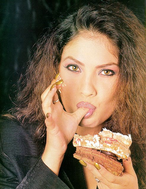 Image result for pooja bhatt sexy