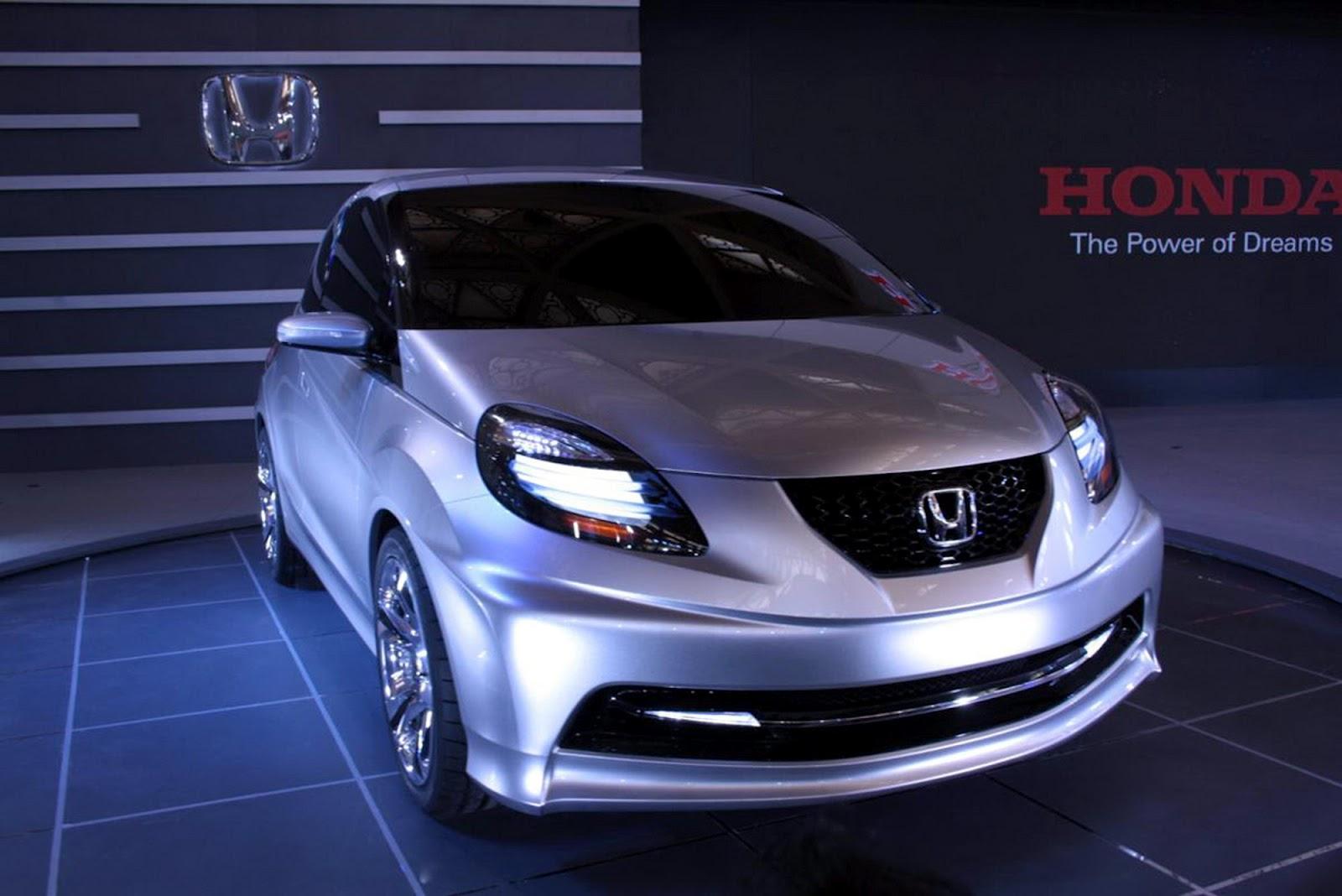 http://4.bp.blogspot.com/-sTGpfa_RweI/T3xo9HbAY_I/AAAAAAAAAE8/ZamCoe5wRD4/s1600/2010+Honda+Brio+%25287%2529.jpg