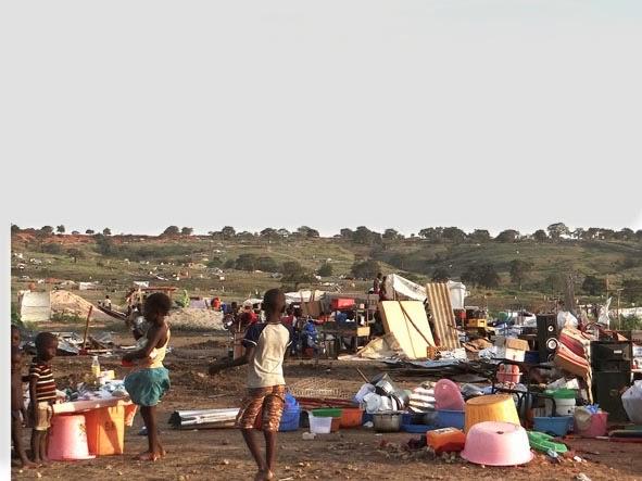 Luanda. 60 seres humanos estão jogados e abandonados no Guami Maca/ Cacuaco.