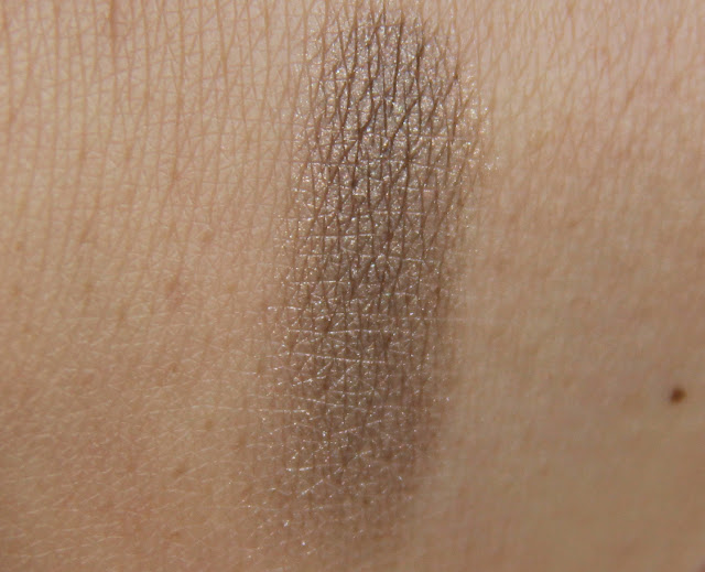 Benefit Velvet Eyeshadow Where Theres Smoke swatch