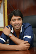 Allari Naresh stylish photos-thumbnail-10