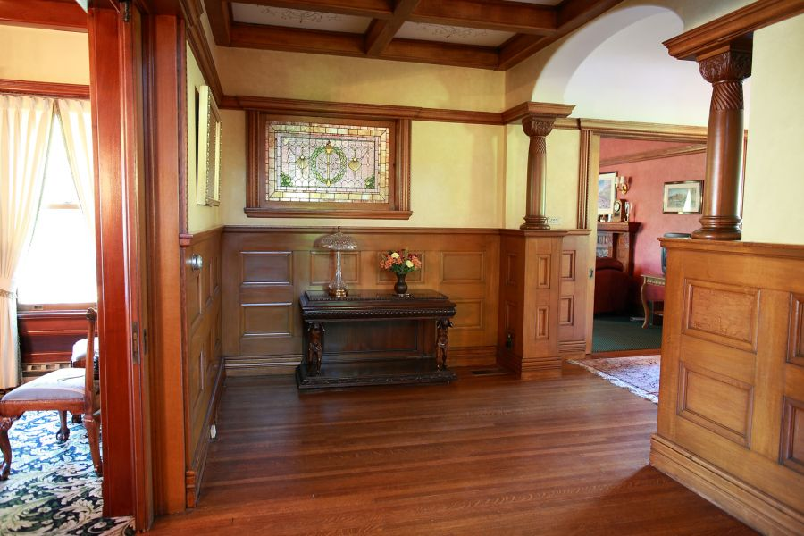 Old Mansion Foyer : Old world gothic and victorian interior design