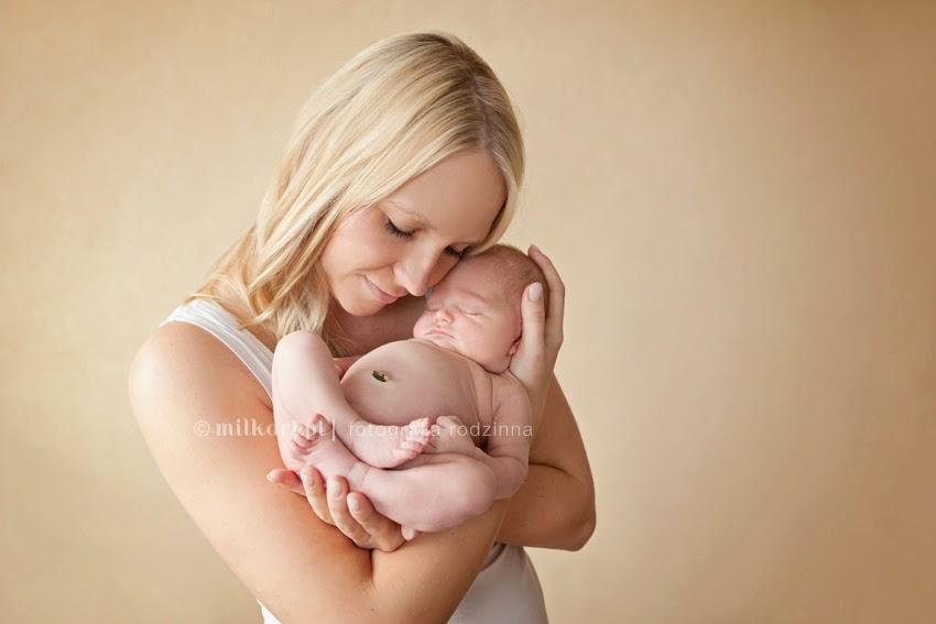 Sesje zdjęciowe rodzinne, sesja fotograficzna niemowlaków, zdjęcia niemowląt, fotografia dziecięca, zdjęcia na roczek