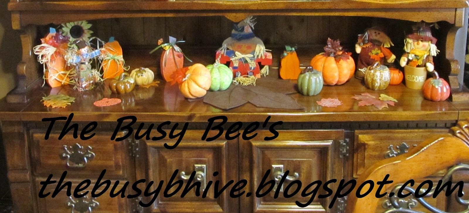 The busy bee 39 s fall decor at home for Bee decorations for the home