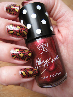 Kelly-Brook-nail-polish-New-Look-leopard-print