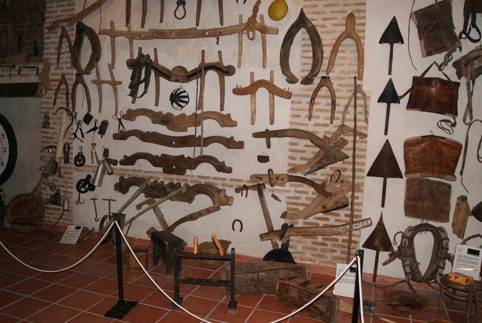 Museo etnogr fico de anta o a hoga o museo - Aperos agricolas antiguos ...