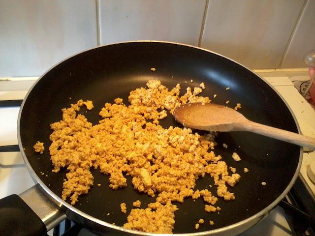 Sugarpuffish cooks Scrambled Tofu