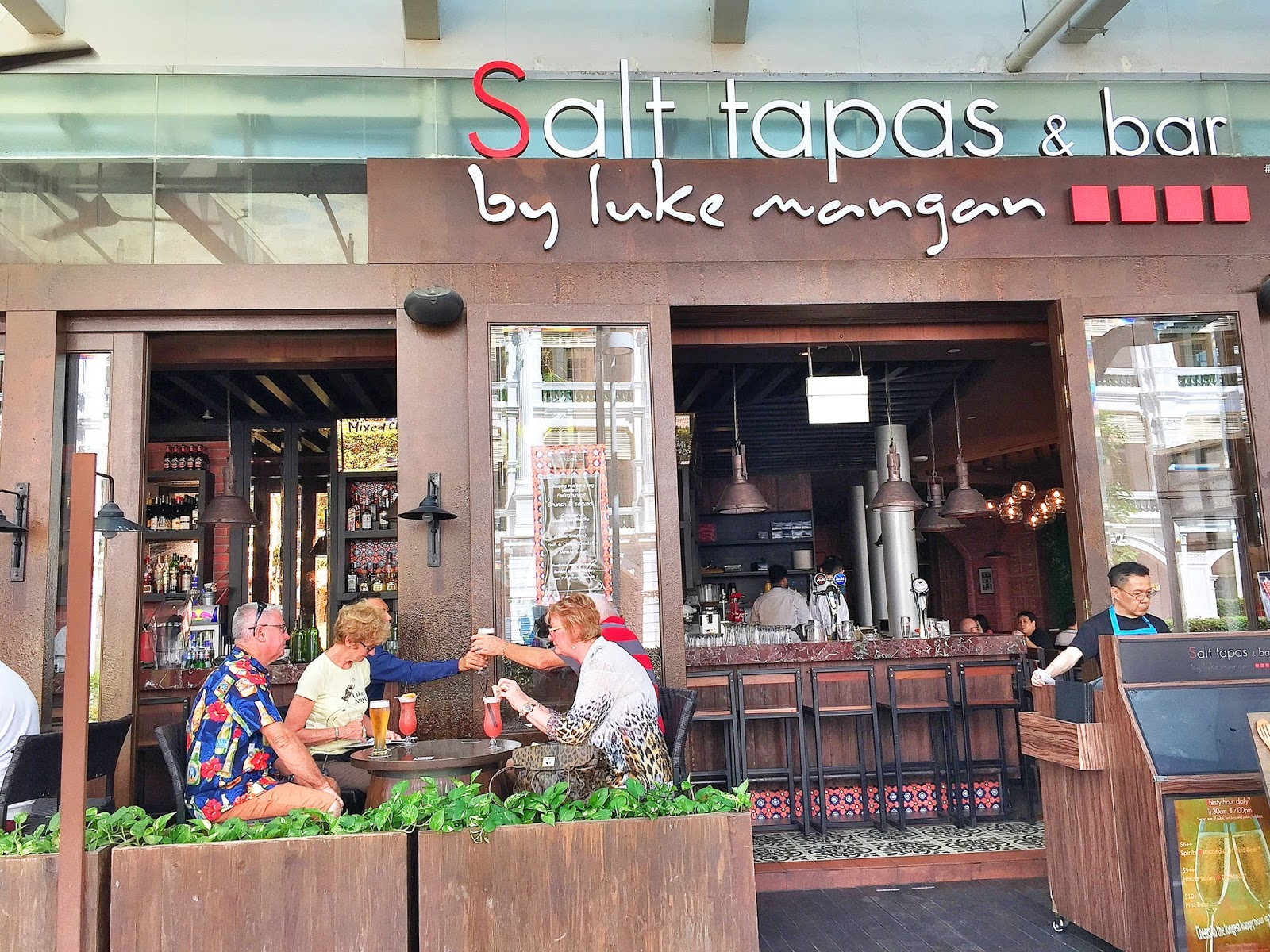 Salt Tapas and Bar (Raffles Place) Exterior