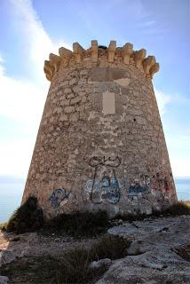 Imagen 1: Acceso elevado de la Torre de Escaletes (Santa Pola del Este - Santa Pola / Alicante)