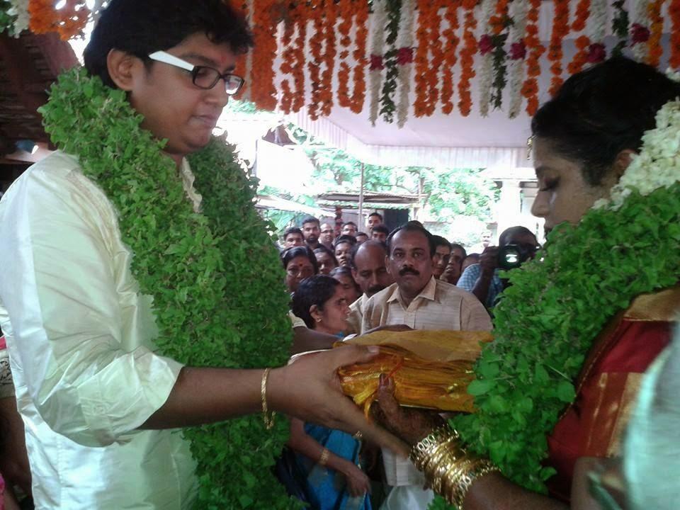 Anchor veena nair wedding