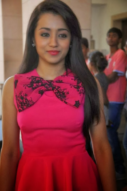 Trisha In Jeans At Endrendrum Punnagai