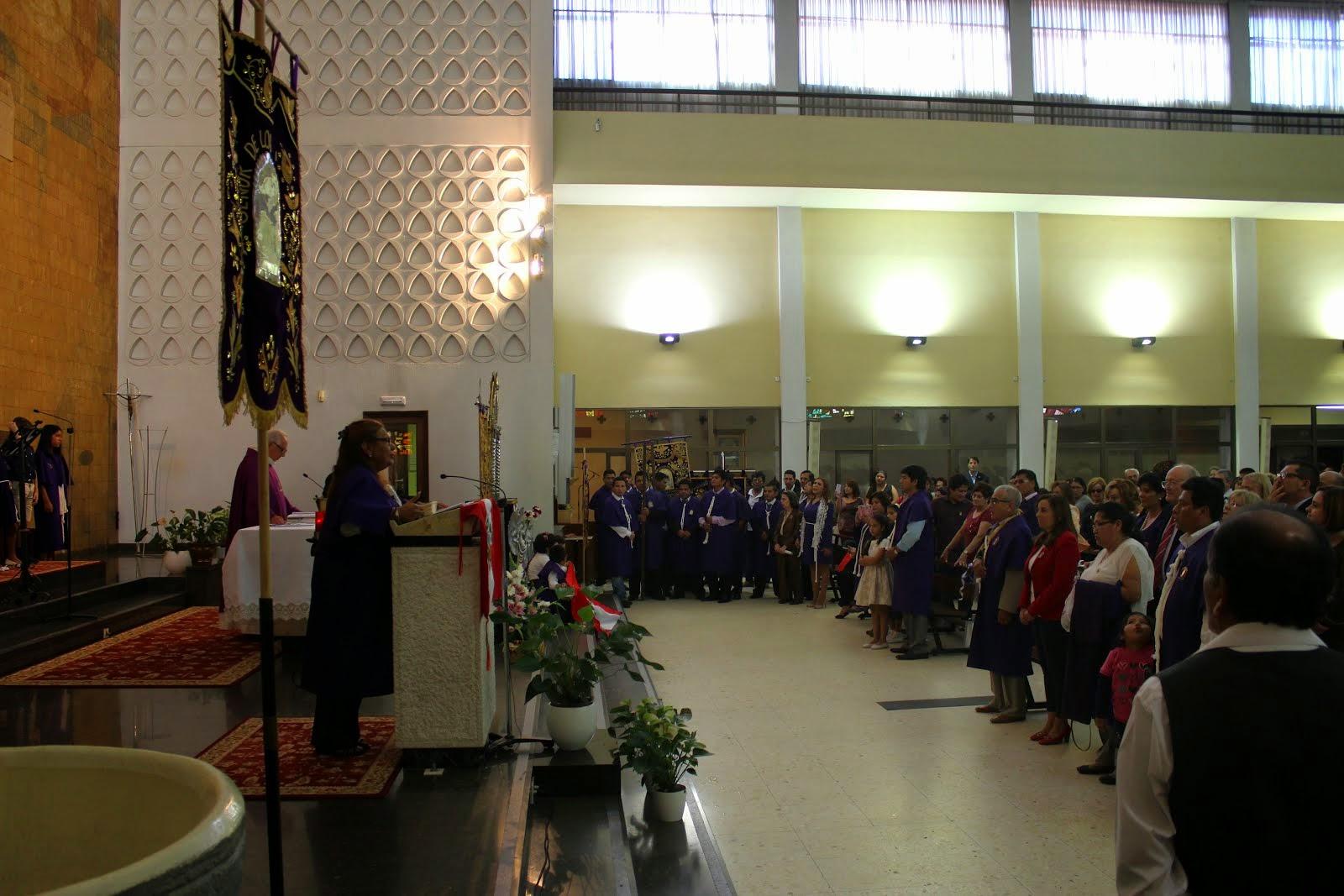 FINAL DE LA EUCARISTIA EN HONOR AL SEÑOR DE LOS MILAGROS 2014