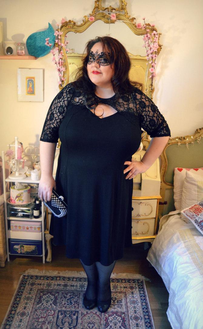 abito nero plus size con pizzo Scarlett & Jo