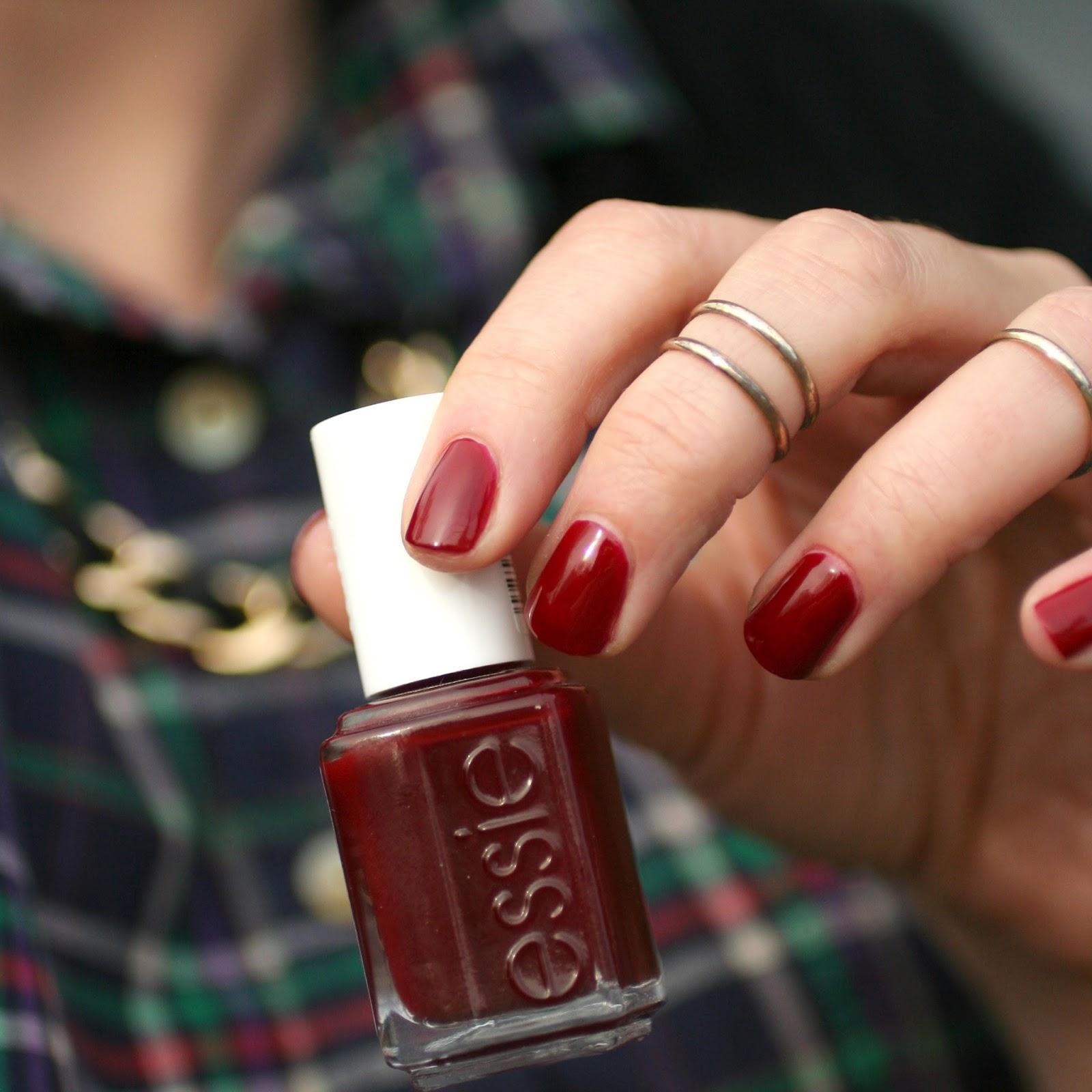 Classics : Essie Bordeaux | Essie Envy