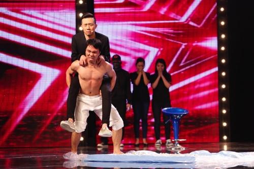 """Trấn Thành """"thót tim"""" vì thí sinh quê Gia Lai trong Vietnam's Got Talent 2016"""
