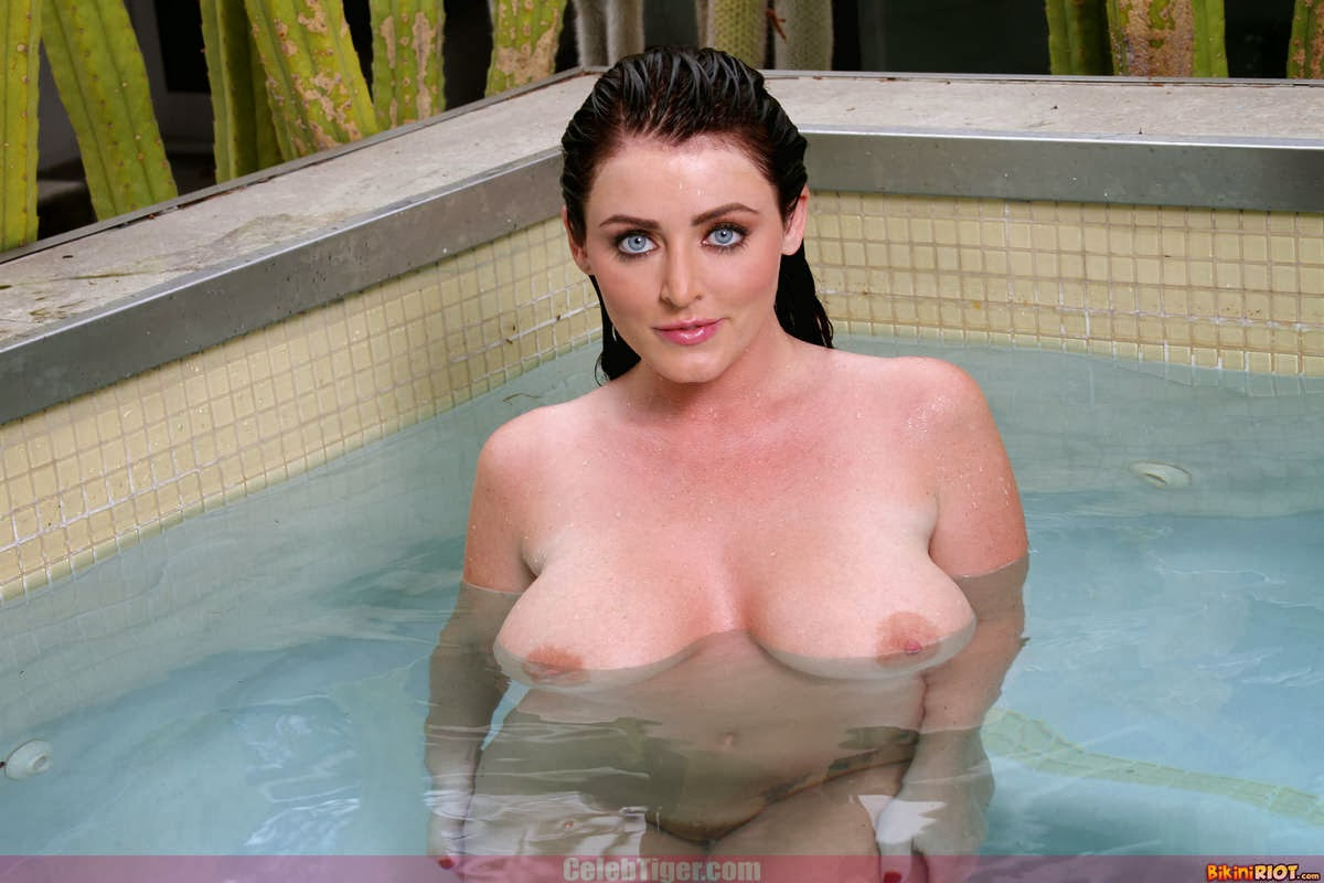 Busty+Babe+Sophie+Dee+Wet+In+Pool+Taking+Off+Her+Blue+Bikini+Posing+Naked www.CelebTiger.com 93 Busty Babe Sophie Dee Wet In Pool Taking Off Her Blue Bikini Posing Naked HQ Photos