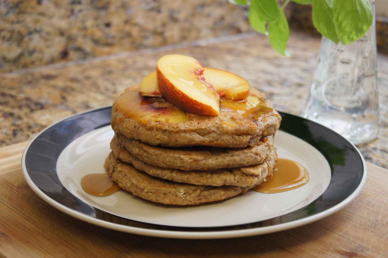 kokonut kitch: Peach Oat Pancakes
