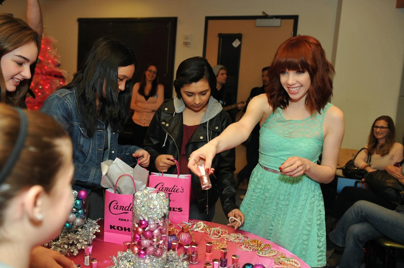 Poshthesocialite Carly Rae Jepsen Candies Surprise Teens At Los