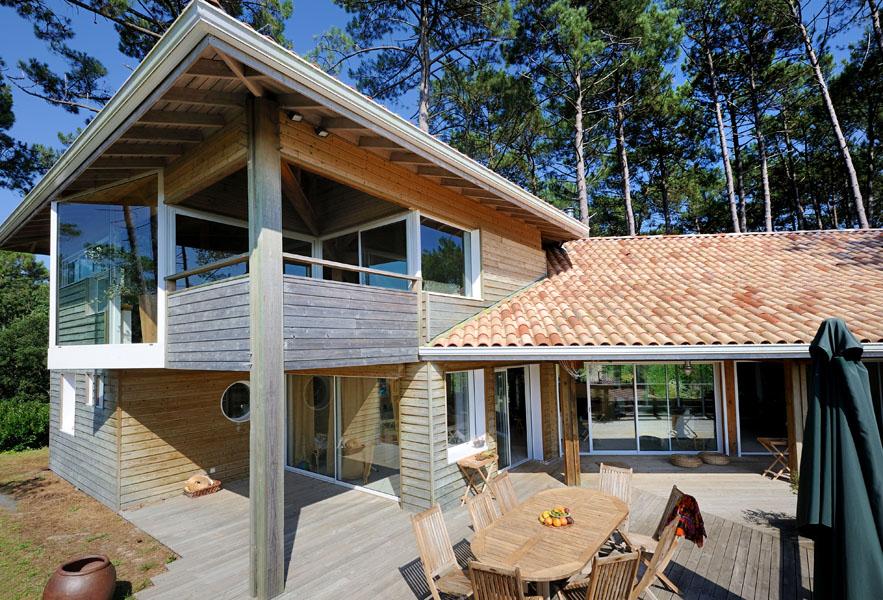 Maison bois d architecte interesting toit mansard et for Architecte hossegor