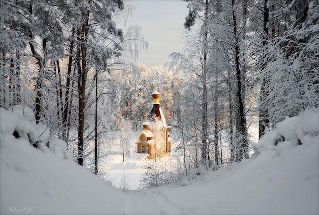 A beleza da paisagem em volta da  pequena Igreja de St. Andrew