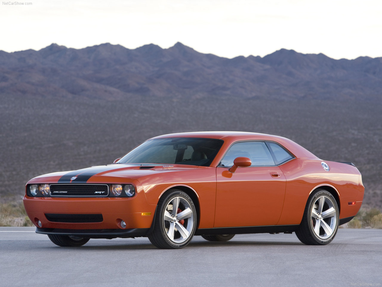 http://4.bp.blogspot.com/-sWm9QC6Cg-w/TWtzCXFZlII/AAAAAAAACIw/F6vkmQv3O9o/s1600/Dodge-Challenger_SRT8_2008_1280x960_wallpaper_09.jpg
