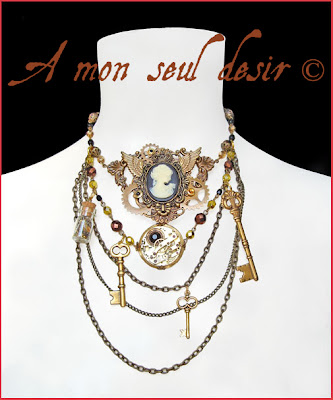collier steampunk camée victorien mouvement de montre gousset mécanique mécanisme clef clés rouages gears steampunk necklace cameo keys watchclock watchwork