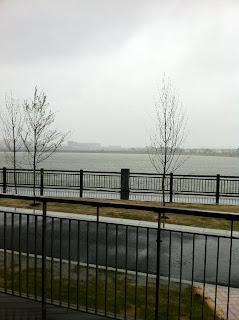 レイクタウンアウトレットのソフトオープン雨