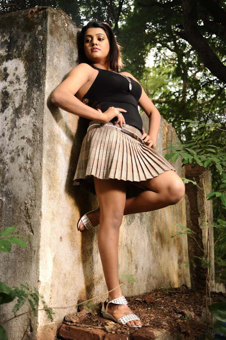 tashu kaushik shoot glamour  images