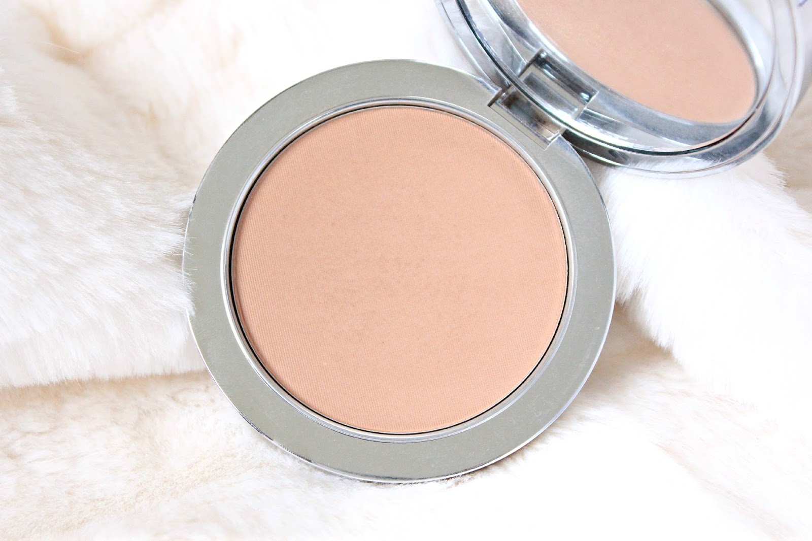 Rodial Bronzer for Pale Skin