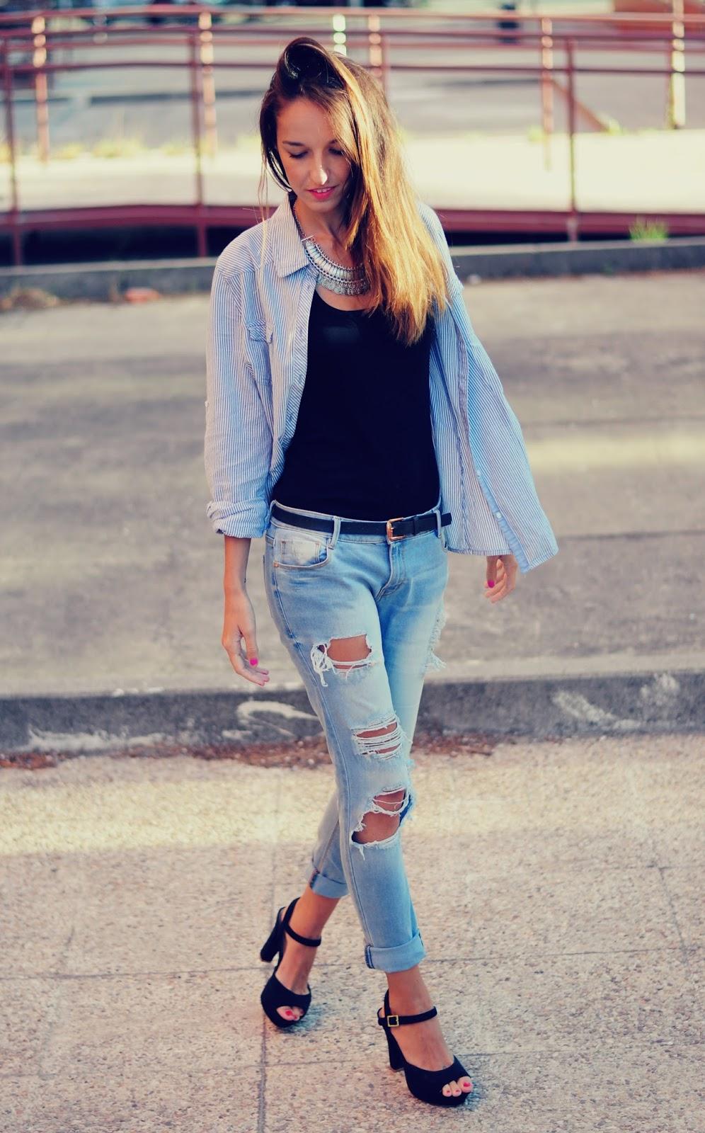 Outfits Con Jeans Rotos Y Tacones