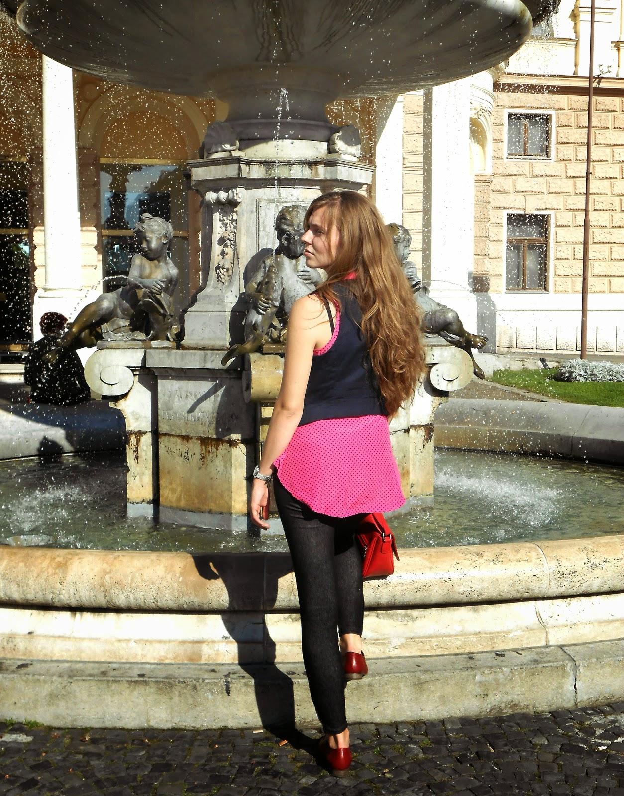 Old theatre Ba, fontain, staré mesto, hviezdoslavovo namestie