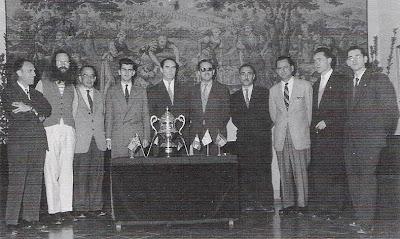 Bas, D'Eucher, Seitz, Darga, O'Kelly, F.J.Pérez, Lladó, Rossolimo, Ridameya y Pere Puig en el Torneo Internacional de Ajedrez Tarragona 1957